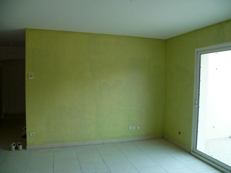 Chambre vert anis et taupe design de maison for Chambre gris et vert